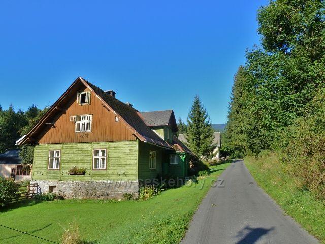 Adolfovice - bývalá hájenka u Javořického potoka v Mlýnkách