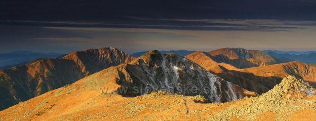 Pohlad na zapadny hreben Nizkych Tatier