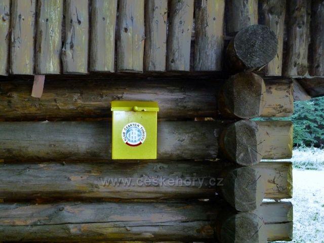 Turistická schránka na rozcestí Javořík
