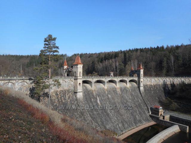 vodní přehrada Les království