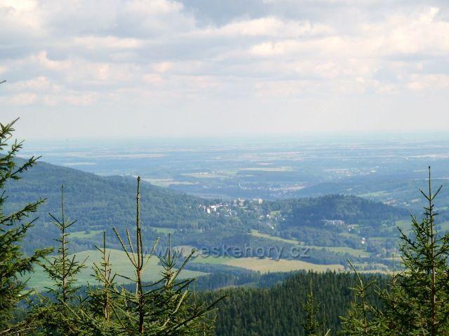 Pohled od Obřích skal na lázně Jeseník