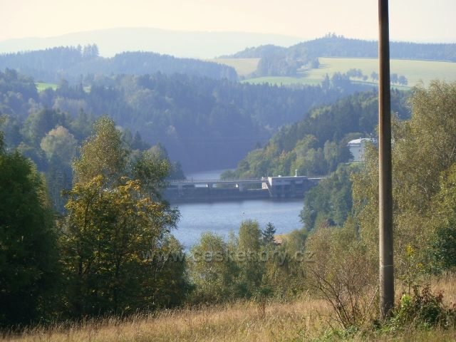 Pastviny - pohled na přehradní hráz