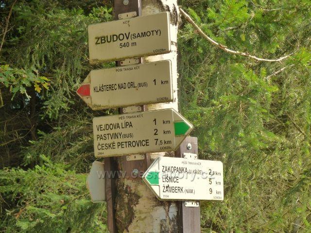 Klášterec nad Orlicí - Zbudov -rozcestník u silničky od Vejdovy lípy do Klášterce nad Orlicí