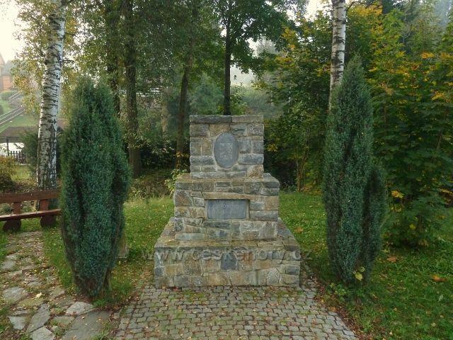 Horní Lipová - památník II.Světové války
