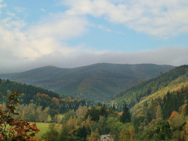 Horní Lipová - pohled do Dlouhého údolí