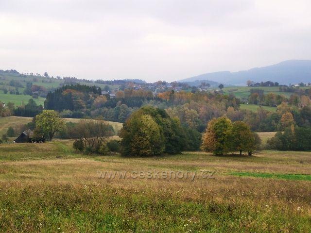 Pastviny -pohled z Vrší k Vlčkovicím
