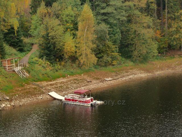 Pastvinská přehrada - přístav u mostu