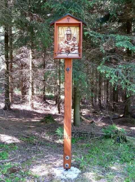 Restaurovaný obrázek Panny Marie u cesty na okraji lesa pod Jeřábem na Horní Orlici