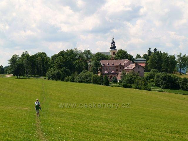 Areál Poutního Domu a kláštera na Hoře Matky Boží nad Králíkama - pohled od Frantovy vyhlídky