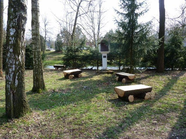 Žamberk - posezení u sv.Huberta u Myslivecké chaty pod soutokem Rokytenky s Divokou Orlicí