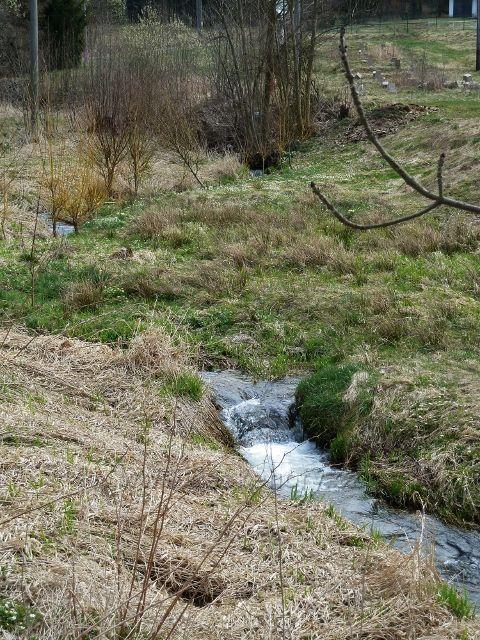 Horní Orlice - pod hotelem Alfa je Tichá Orlice ještě potokem