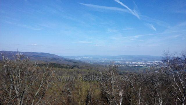 Skála Vlčí kámen něm.Wolfstein 613,8 m.n.m pohled na Ústí nad Labem.