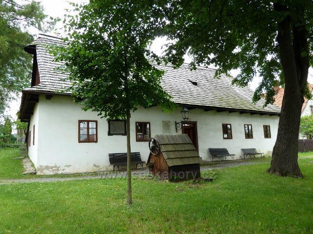 Hodslavice - památník Fr.Palackého je umístěn v jeho rodném domku