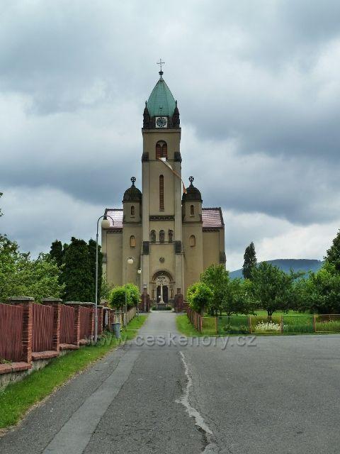 Hodslavice - kostel Božského srdce Páně
