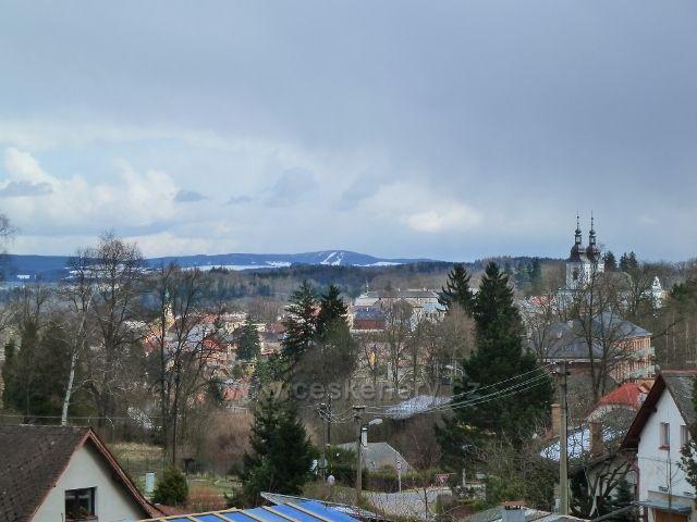 Žamberk - pohled od hřbitova na Bukovou horu