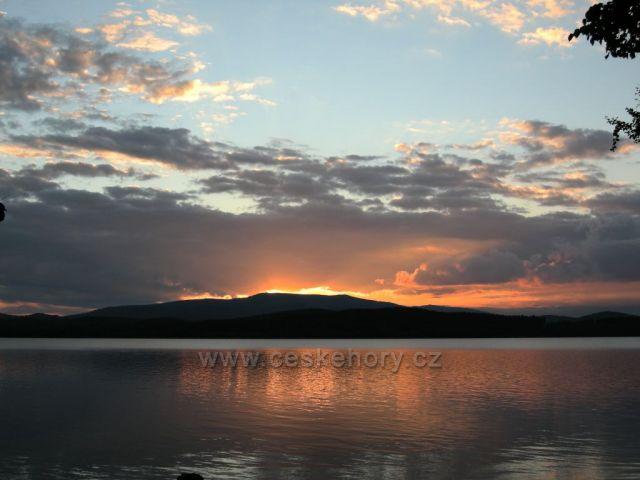 Západ slunce na Lipně