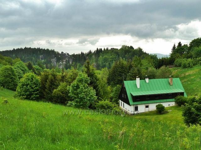 Teplické skály - pohled z osady Skály na Jiráskovy skály