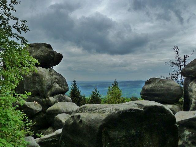 Teplické skály - pohled ze skalnatého vrcholku Čápu