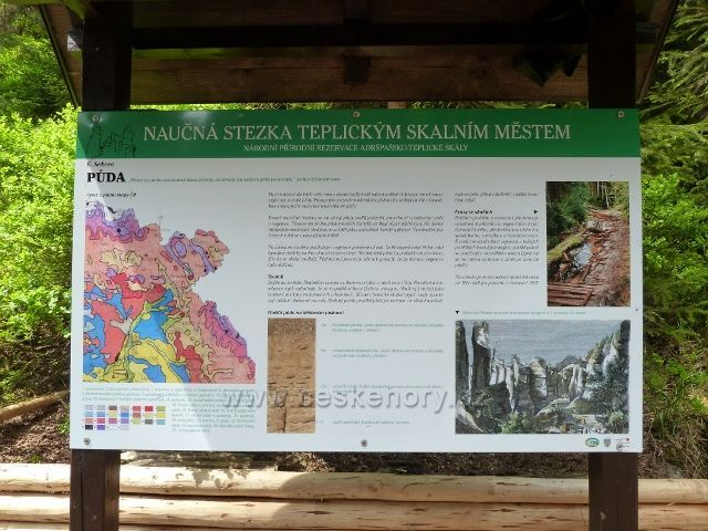 Teplické skály - tabule NS Teplickým skalním městem v Anenském údolí