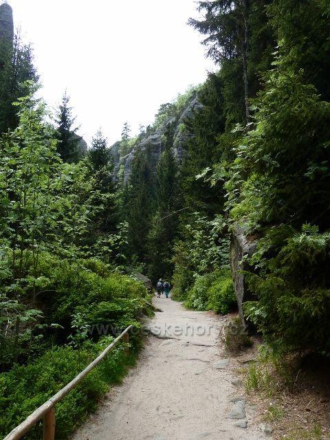 Teplické skály - hlavní prohlídková trasa vede Anenským údolím