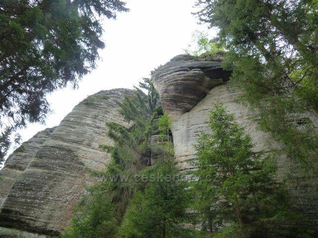 Teplické skály - skalní útvar Vlaštovčí hnízdo