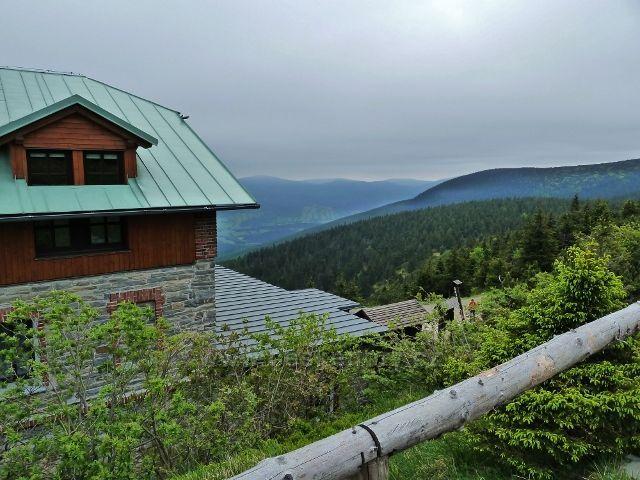 Pohled od chaty Jiřího na Šeráku k Lipové