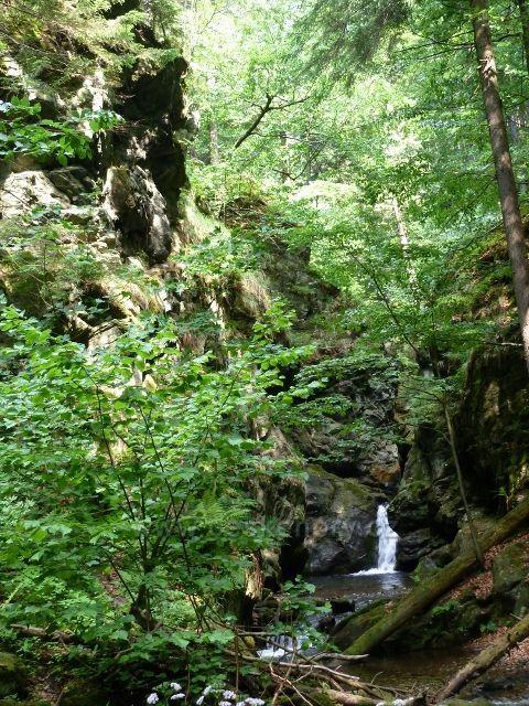 Nýznerovské vodopády - soutěska Velkého vodopádu na Stříbrném potoce