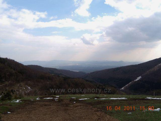 Krušné hory - pohled do Mikulovského údolí