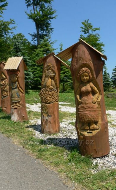 sochařská díla na Pustevnách 2