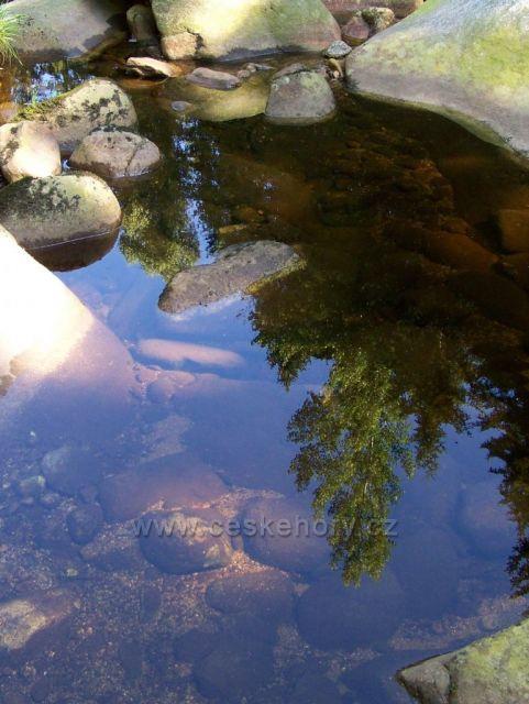 nebeské zrcátko na řece Vydře.....