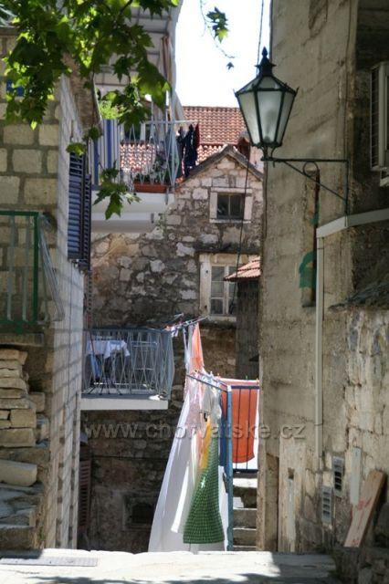 V uličkách Omiše