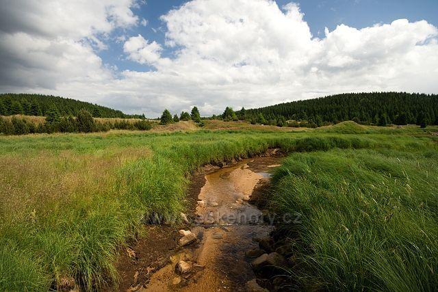 Mackovský potok