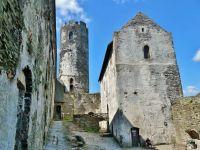 Bezděz - horní věž hradu slouží jako rozhledna