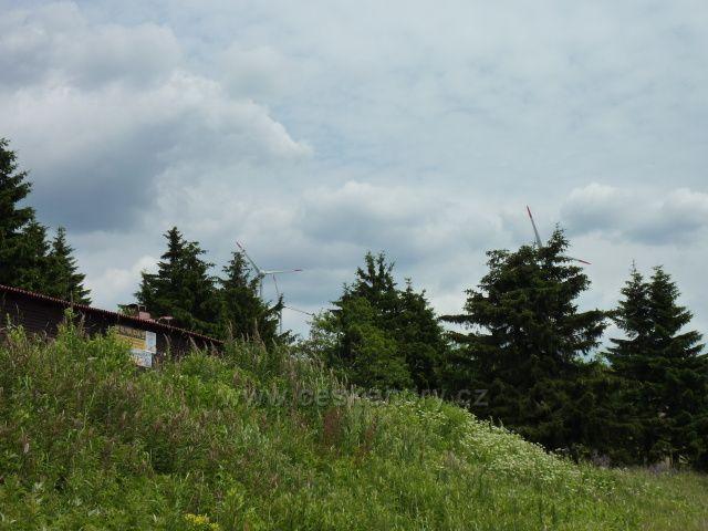 Větrné elektrárny poblíž Božího Daru
