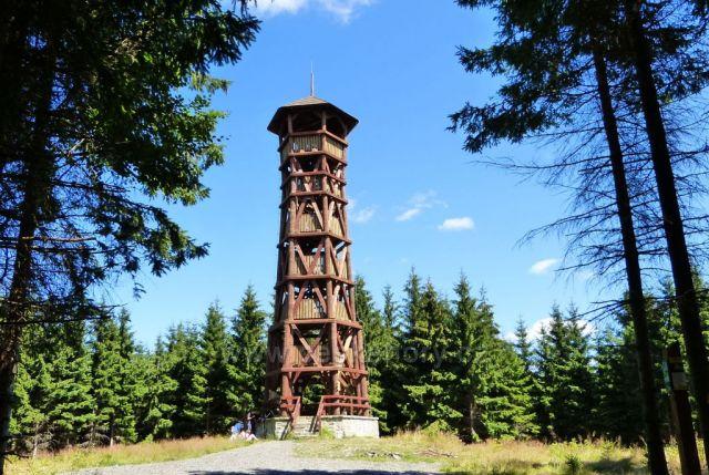 Velké Karlovice-rozhledna na vrchu Miloňová
