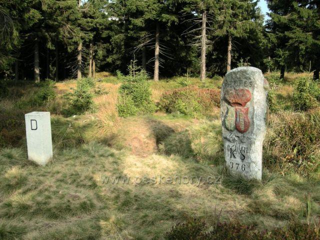 Hraniční kámen pod Klínovcem