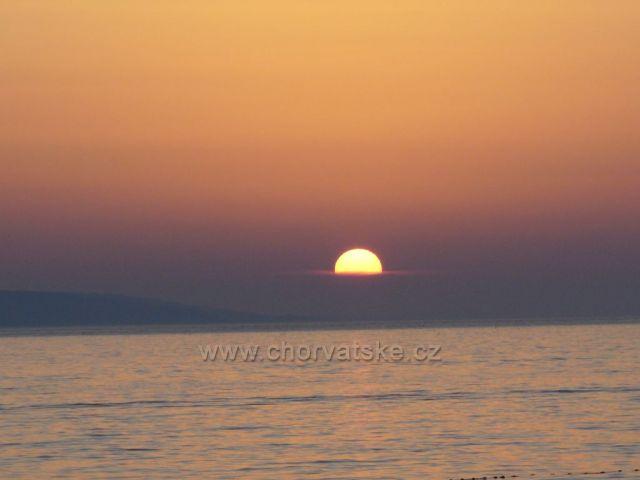 Západ slunce v Bašce