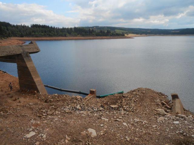 vodní nádrž Fláje - oprava břehu