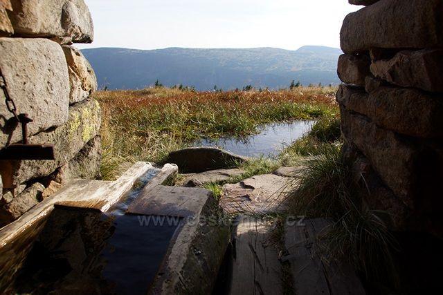Kamenná studánka
