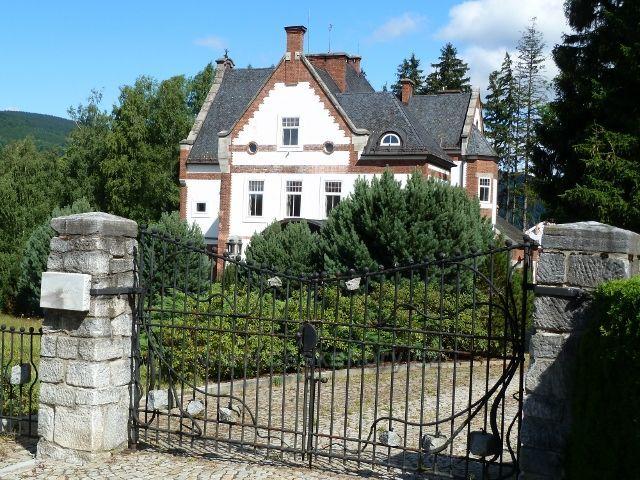Jeseník - vila Erwina Weisse z let 1889 až 1890, dnes sídlo fy Slezský kámen