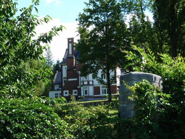 Jeseník - vila Erwina Weisse z let 1899 až 1890, dnes sídlo fy Slezský kámen