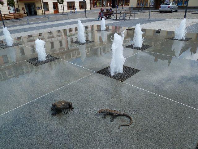 Jeseník - drobné plastiky na fontáně na Masarykově náměstí