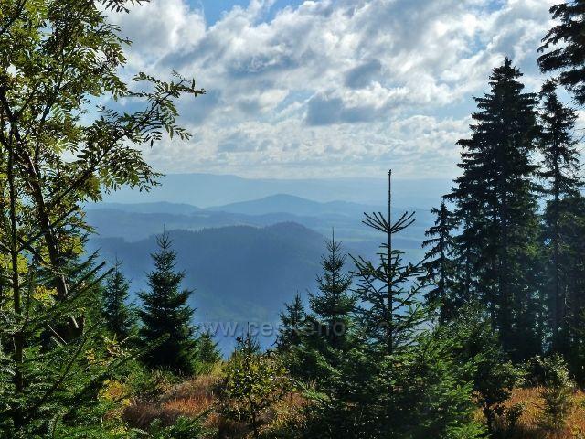 Buková hora - pohled z vrcholu Na Planiskách k Hanušovické pahorkatině a Jeseníkům