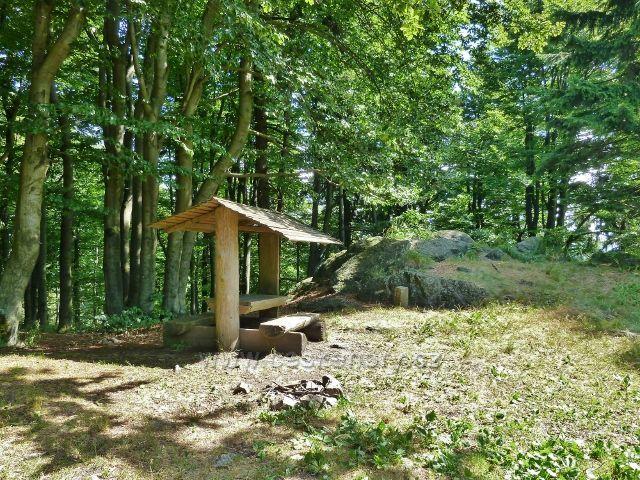 Buková hora - odpočívadlo u horní stanice lanovky z Mlýnického Dvora