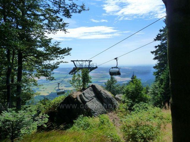 Buková hora - skalní výhoz u horní stanice lanovky z Mlýnického Dvora