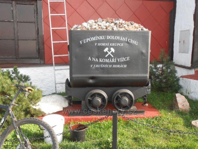 památníček na Komáří Vížce
