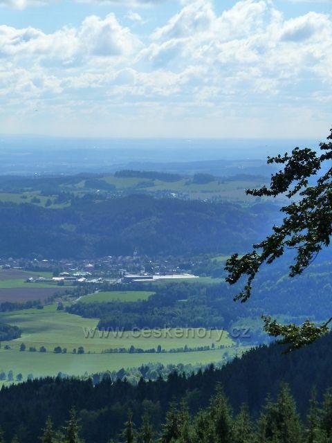 Buková hora - pohled na Štíty z horní části sjezdovky do Mlýnického Dvora
