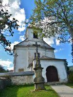 Mlýnický Dvůr - Boží muka a kostel