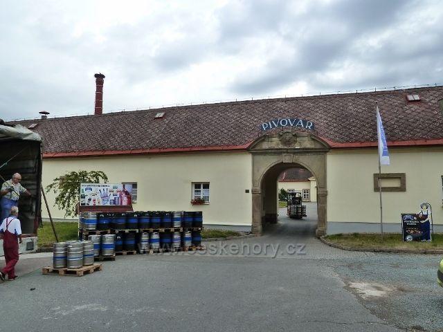 Rychnov nad Kněžnou - vjezd do areálu Městského pivovaru