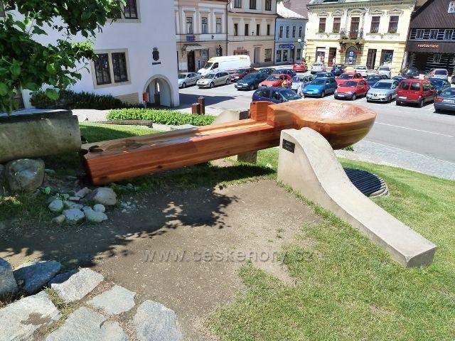 """Jablonné nad Orlicí - zrekonstruovaná """"lžíce"""" na náměstí 5.května"""